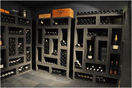 Wijnrek BlackBlock, stenen wijnrek.